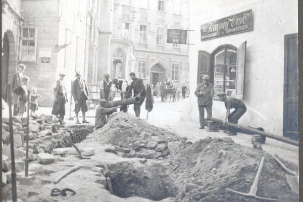 Orsolya tér vízvezeték építés 1894.